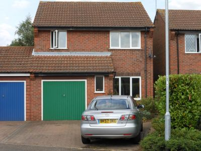 House - Houses - 3 bedroom detached house to rent Brampton