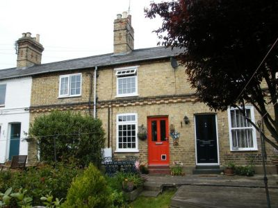 House - Houses - Period cottage available for rent Close to Huntingdon Town Centre