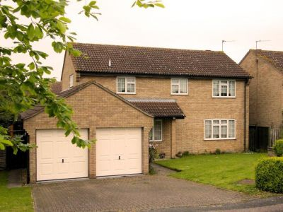 House - Houses - 4 bedroom detached house for rent in Godmanchester